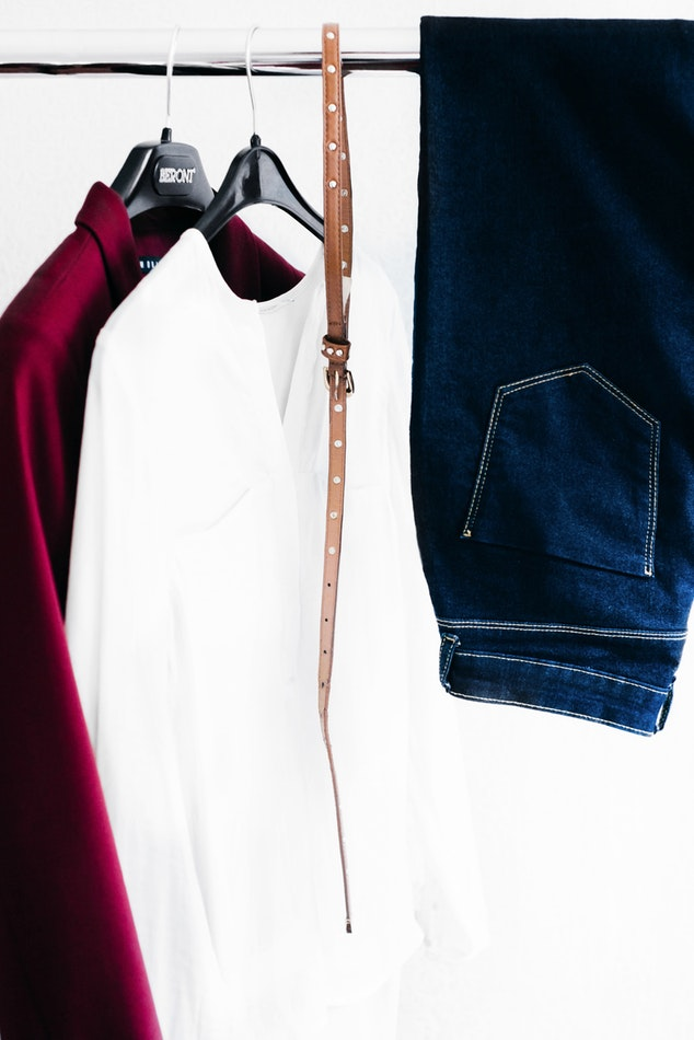 3 Stylist Secrets On How To Organize Your Closet This Fall